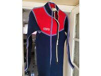 Wet suit medium size excellent condition