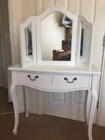 Dressing table / mirror