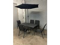 FREE DELIVERY BLACK METAL GARDEN TABLE & 5 CHAIRS WITH UMBRELLA GOOD CONDITION