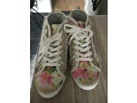 Lelli Kelly boots size 2 girls trainers