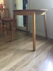 Round table £25