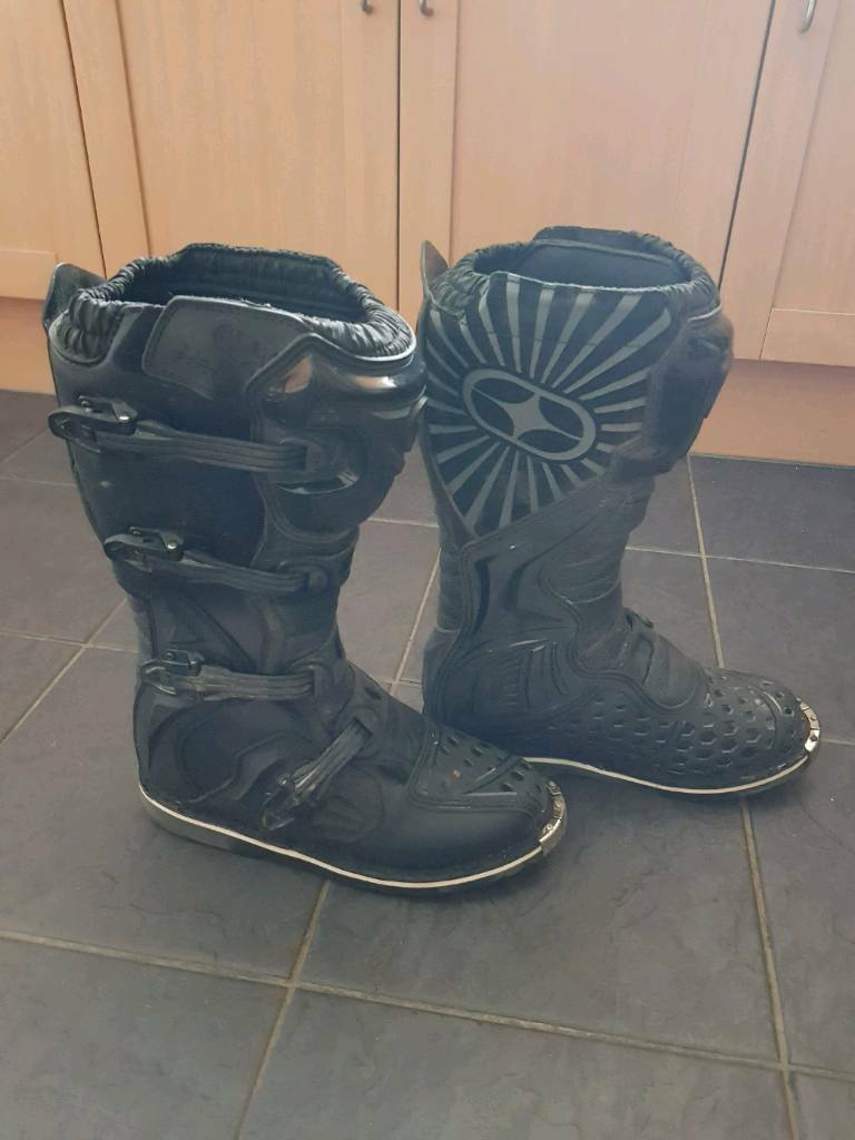 No fear motocross boots size 9