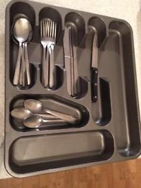 Plastic cutlery tray and 16 piece stainless steel cutlery set