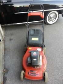 """CHAMPION 18"""" CUT SELF PROPELLED MOWER BRIGGS STRATTON USA POWERFUL EASY START ENGINE WITH GRASS BOX"""