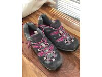 Size 7 mountain warehouse trainer style shoes