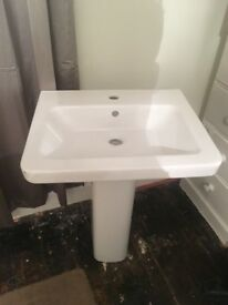 Brand new White ceramic sink/basin
