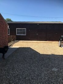 1200 sq metre industrial unit to let