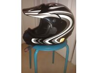 motorcycle helmet. hardly used. excellent condition. size adult XXL63