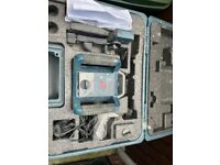 Bosch GRL 400 H site level with stand and staff
