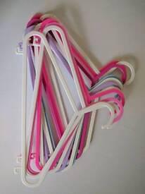 40 x kids clothes hangers / coat hangers