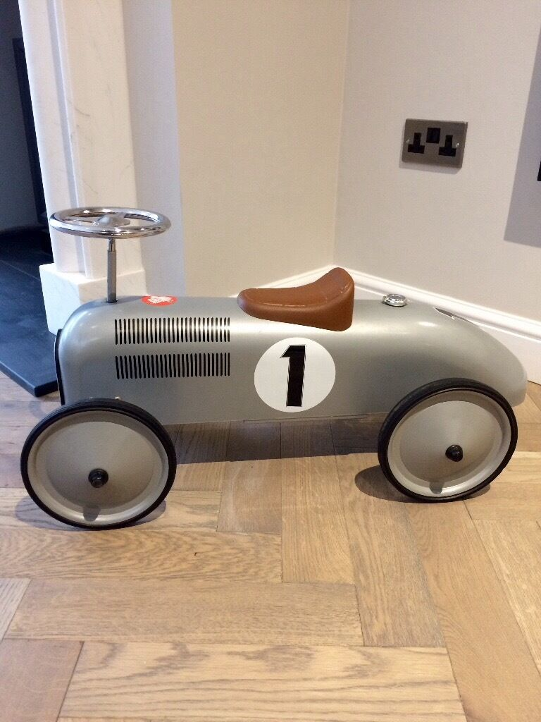 Vintage style silver Ride-on toy car- hardly used. £25
