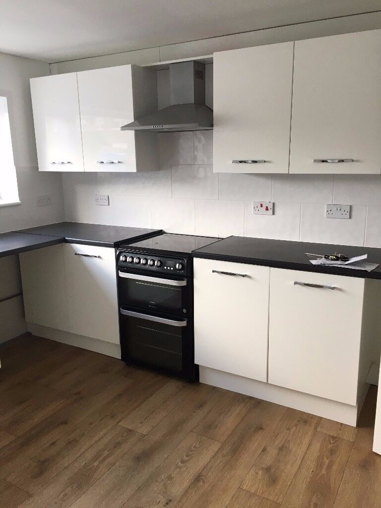 2 bedroom end of terrace house to rent Millfield- NO FEES
