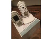 Motorola MPB28 digital wireless video baby monitor