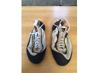 Five Ten anasazi climbing shoes - size 8 1/2