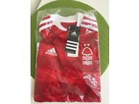 Nottingham Forest junior football shirt. Age 9-10