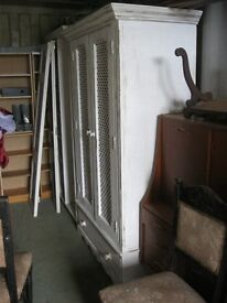 MODERN WHITE SHABBY CHIC SOLID PINE DOUBLE WARDROBE. VERY ATTRACTIVE. VIEWING/DELIVERY AVAILABLE