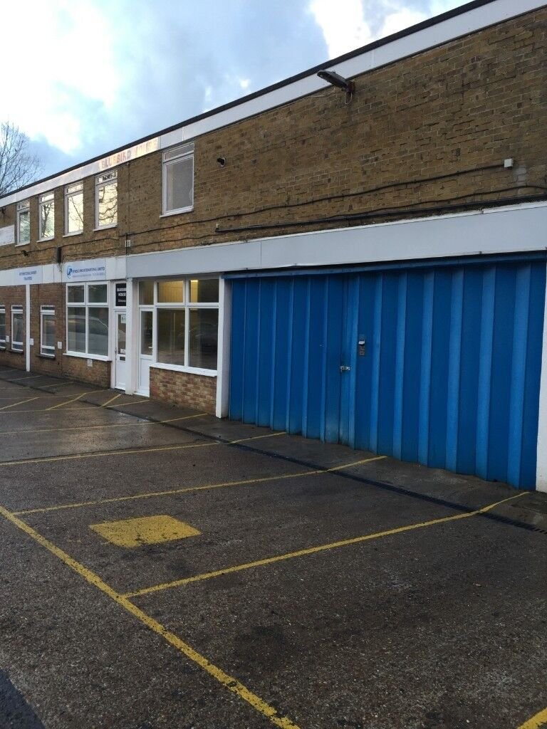 Gatwick Horley Workshop Warehouse With Office 620sq Ft With 13 Parking Spaces In Horley Surrey Gumtree