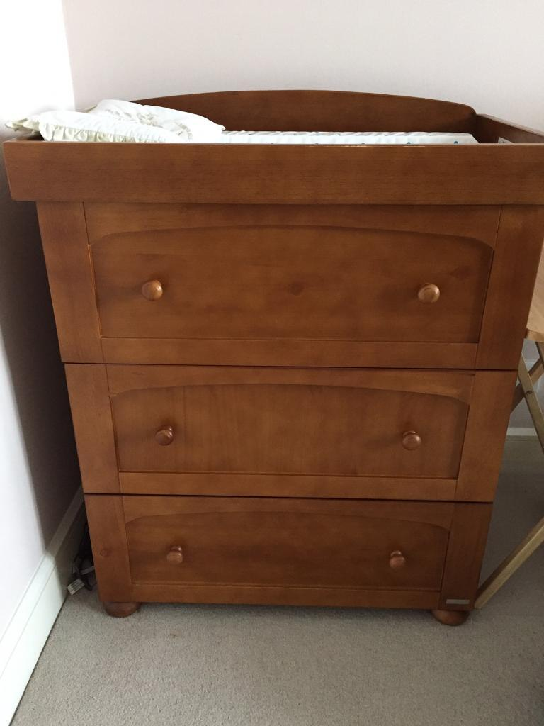 Dresser with detachable changing frame