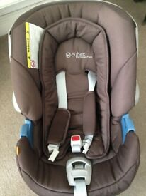 Mama's & Papa's Cybex Carseat + FREE Fisher Price Bouncer