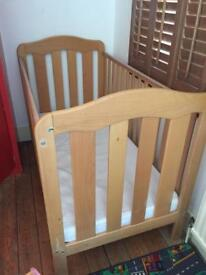 Lovely big cot