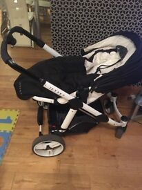 Baby travel system! With car seat, carrycot and buggy