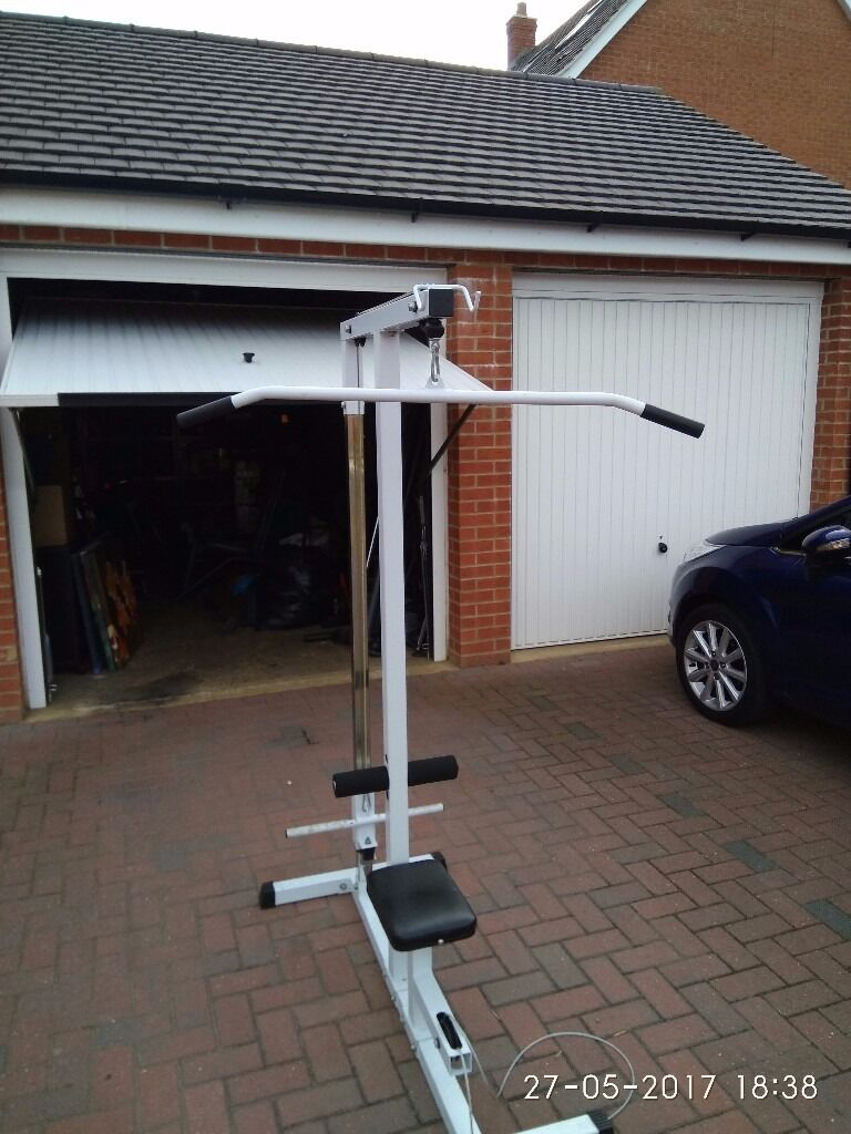"""Fitness Home Multi Gym Cable/Lat Pull Down Workstation Weight/Bench Workoutin Bedford, BedfordshireGumtree - Very good used working condition. Can be used for biceps triceps back etc can take 1"""" weights and olimpic discs.any questions please Ask"""