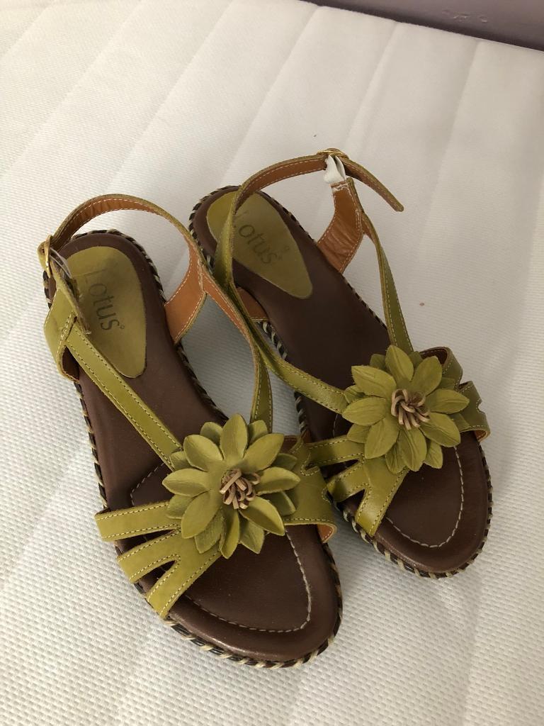 Green lotus sandals size 6
