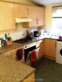 5 bedroom house in £75 pppw, Rusholme Place, Rusholme