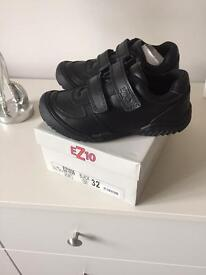 Boys natural leather ez10 school shoes new