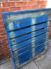 Pallet - Free to whoever collects it