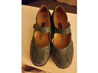 Pavers Blue leather shoes
