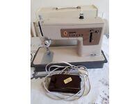 Singer sewing machine 237 for spairs or repairs