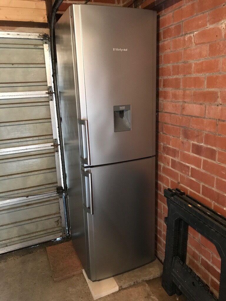 Hotpoint Fridge Freezer With Water Dispenser 2m Tall