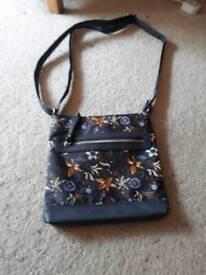 Small blue patterned shoulder bag