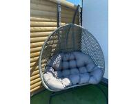 Double egg chair with rain cover
