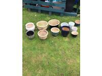 12 ceramic garden pots £10