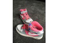 GIrls Nike Air Max size 4