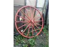 Garden feature 5' foot diameter metal wagon wheel