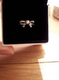 Pandora sentiments bow ring