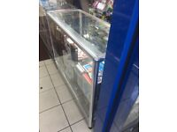 RETAIL DISPLAY COUNTER WITH FITTED LIGHT