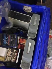 Xbox 360 x 3 consoles. Bout 100 plus games