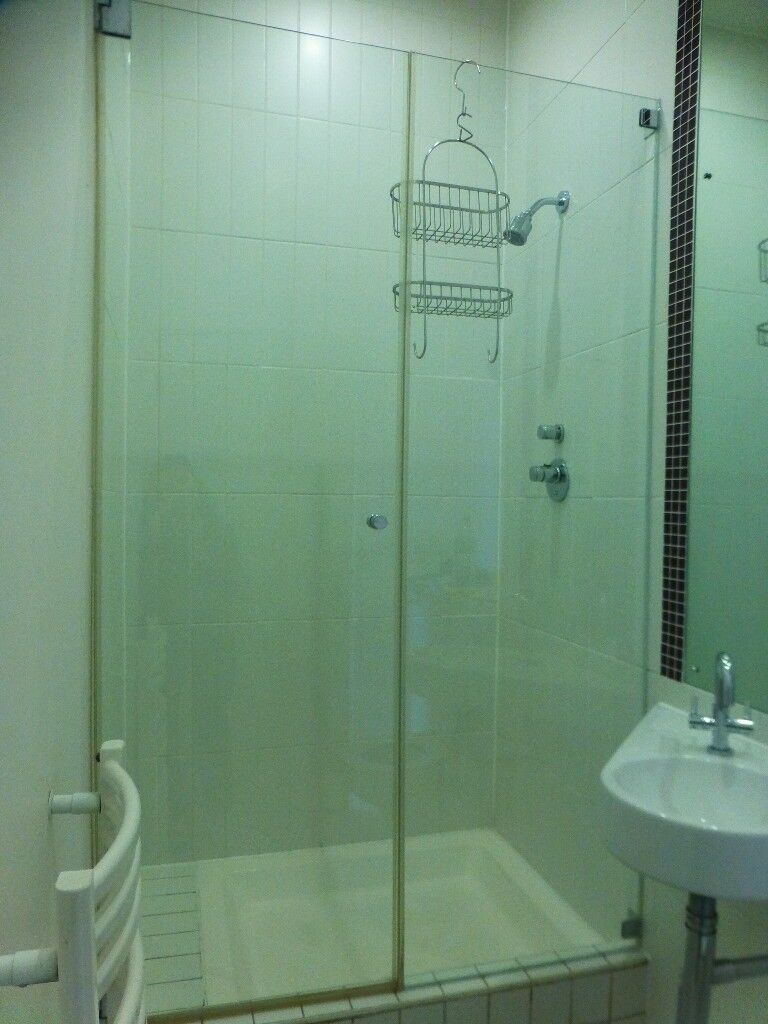 No Frame Shower Door And Acrylic Shower Plate In Camden London