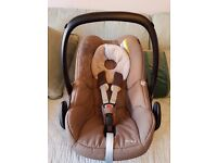 **MAXI COSI PEBBLE GROUP 1 CAR SEAT EXCELLENT CONDITION IN WALNUT BROWN**