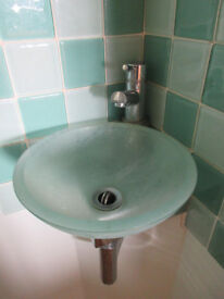 Toilet & basin with mixer tap