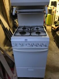 Excellent Gas cooker with single oven and grill