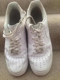 Gents NIKE trainers