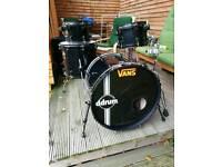 Drum kit (Ddrum death punx 4 piece)