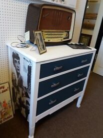 Chic Vintage Hollywood retro chest of drawers