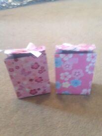 Brooch gift set