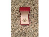 14k gold mens/unisex diamond cluster gypsy ring size T 1/2 weighs 8.2 grams